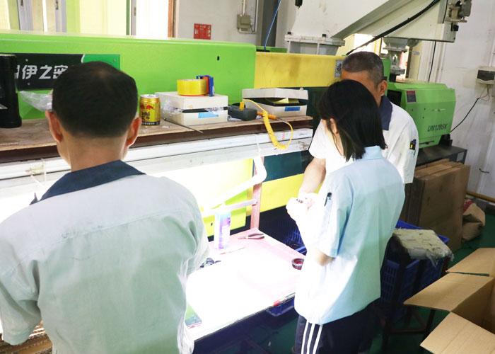东莞市生产注塑加工厂家-车间