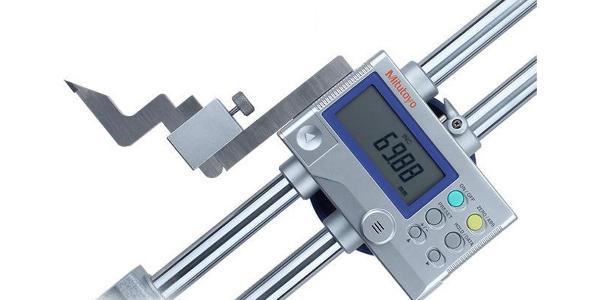 美容仪代工厂测量员来告诉你怎么使用和保养数显高度尺