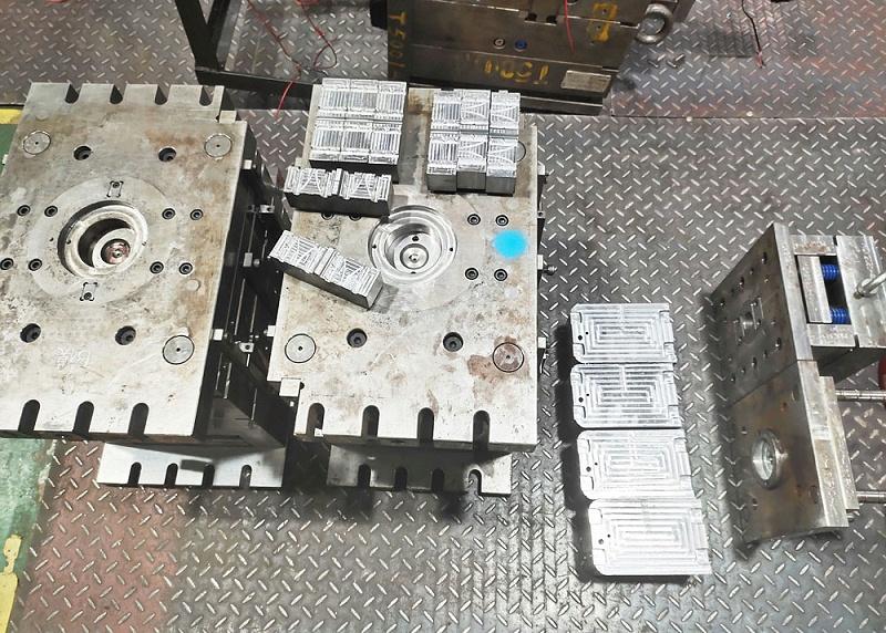 注塑制品厂模具