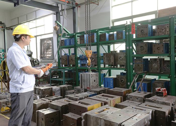 东莞市注塑模具加工厂车间模具