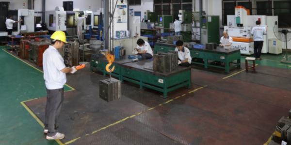 东莞双色塑胶模具厂家