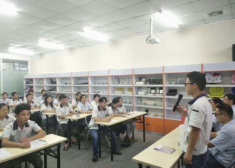 东莞市马驰科双色注塑加工厂家教育活动