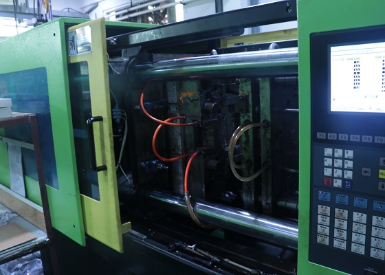 东莞市硅胶产品生产厂家设备