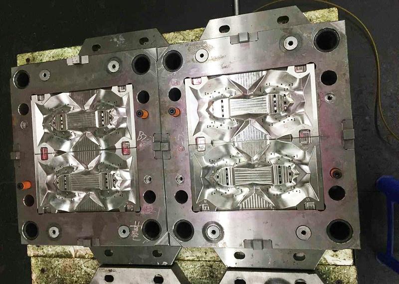 双色塑胶模具厂