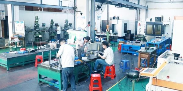 注塑加工厂为您分析塑料制品龟裂的原因及解决方法
