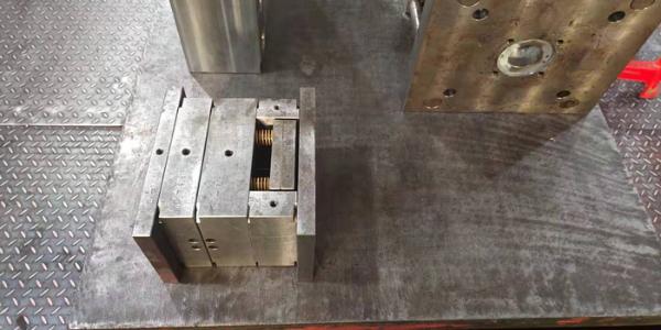 注塑加工厂注塑机参数13点(4)
