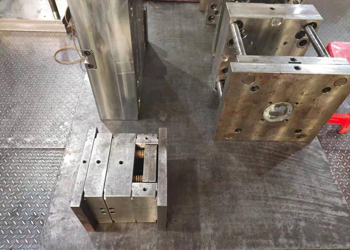 注塑加工厂模具